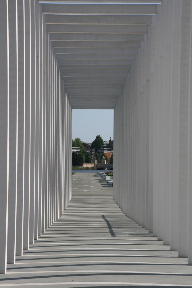 Tunnelblick - Säulengang der BUGA
