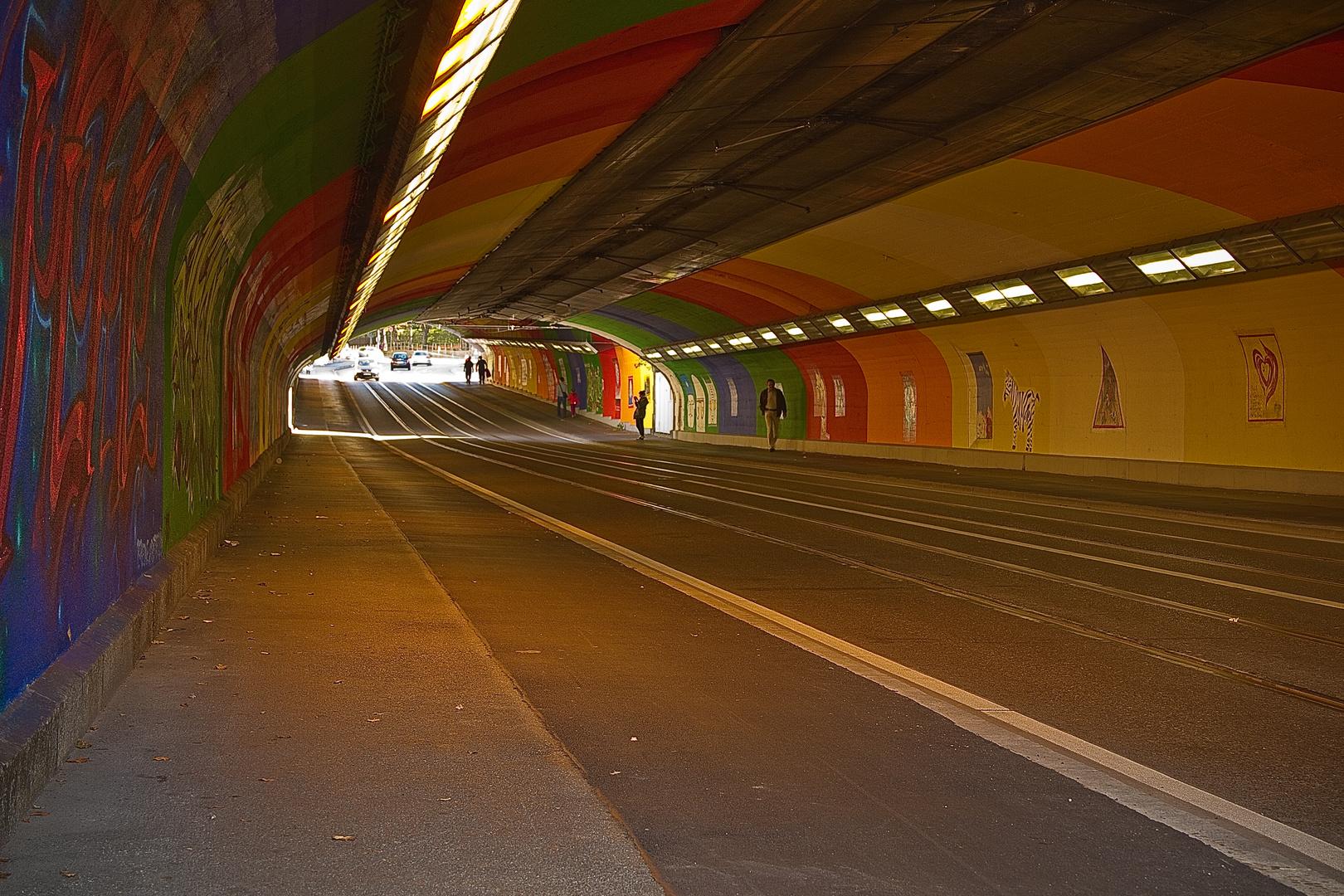 Tunnelbunt ...