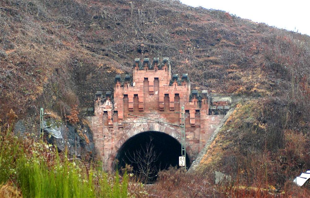 Tunnelportal zwischen Neustadt/w und Kaiserslautern