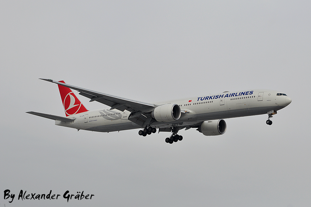Turkish Airlines at Hannover (16.03.2013)