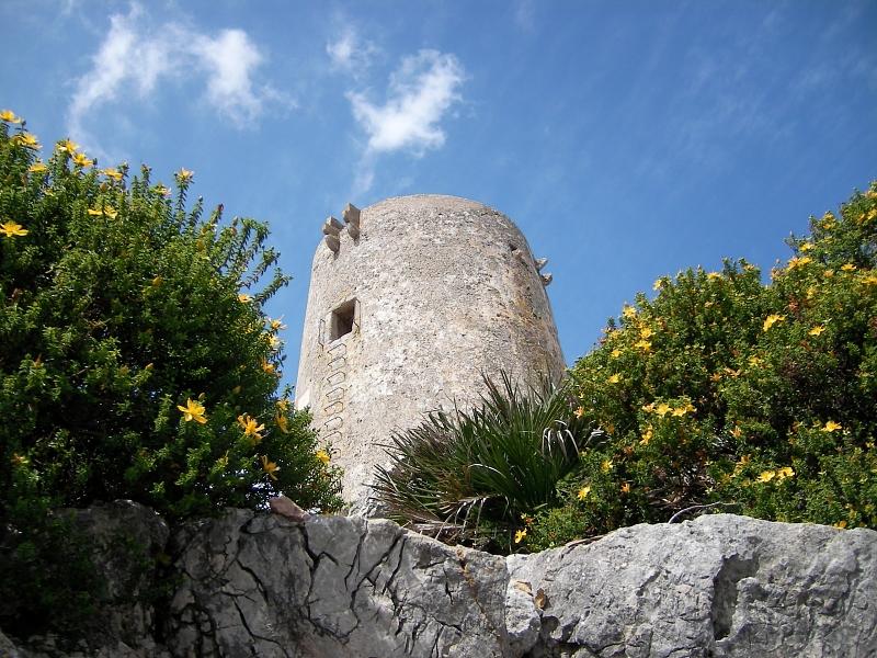 Turm auf Mallorcas Nordosten