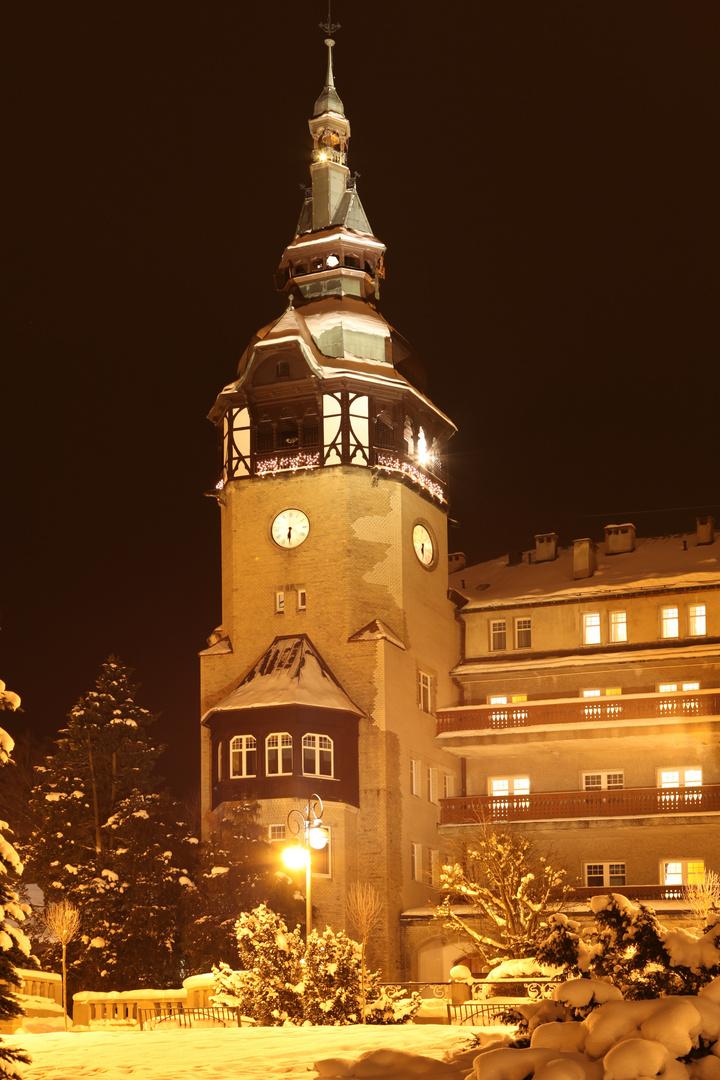 Turm der Wandelhalle in Swieradow Zdroj (Polen)
