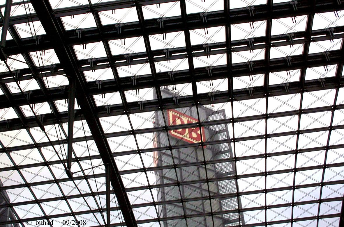 Turm im Netz