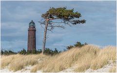 Turm neben Windflüchter
