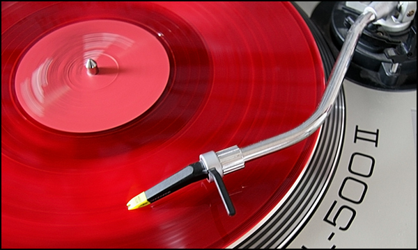 turntable.red