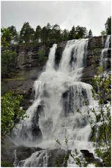 Tvindefossen cascata