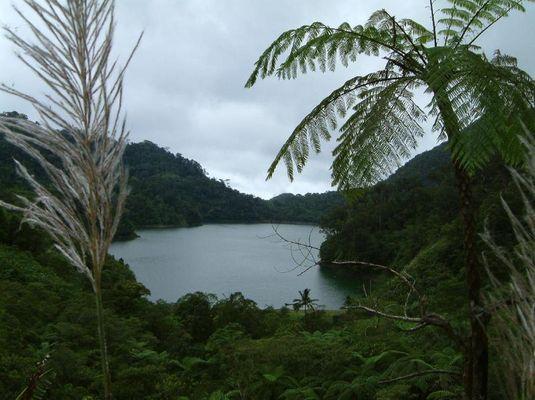 Twin lakes ( Negros oriental )