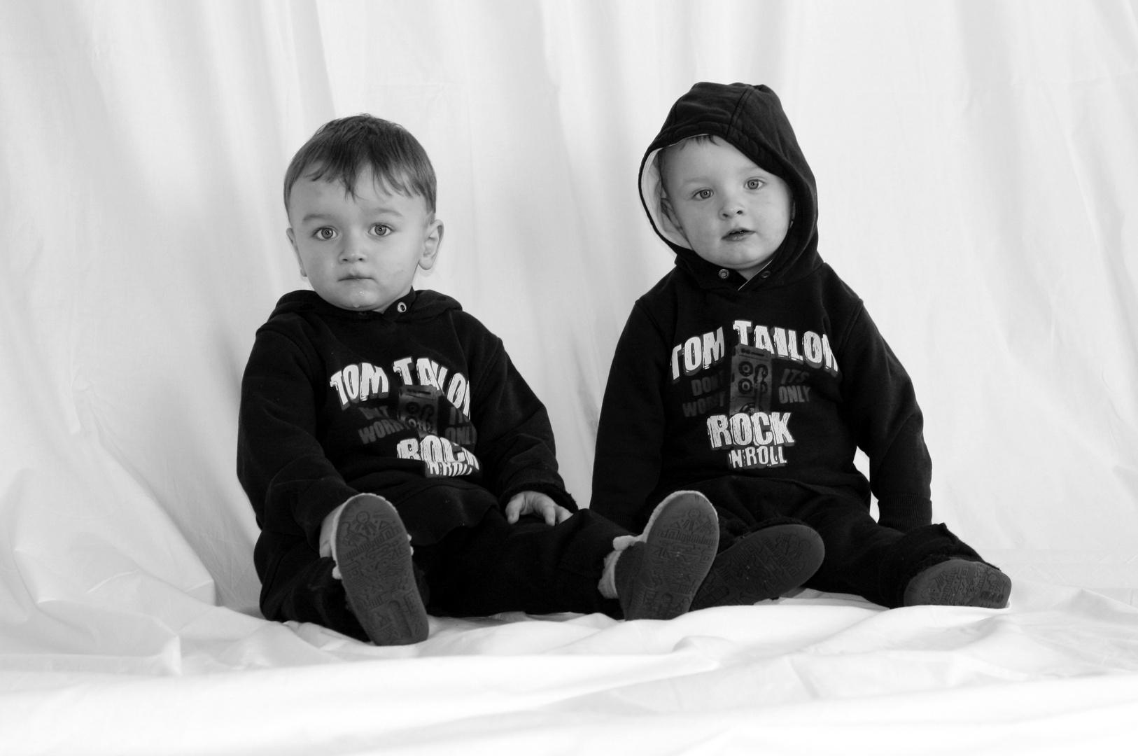° Twins °