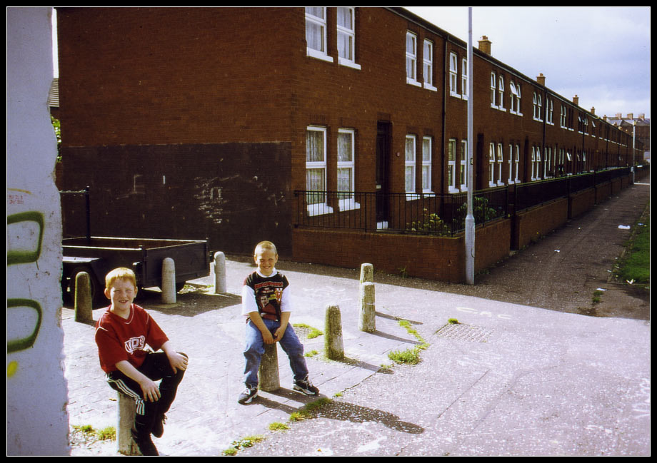 Two boys, what a place to life / Belfast III