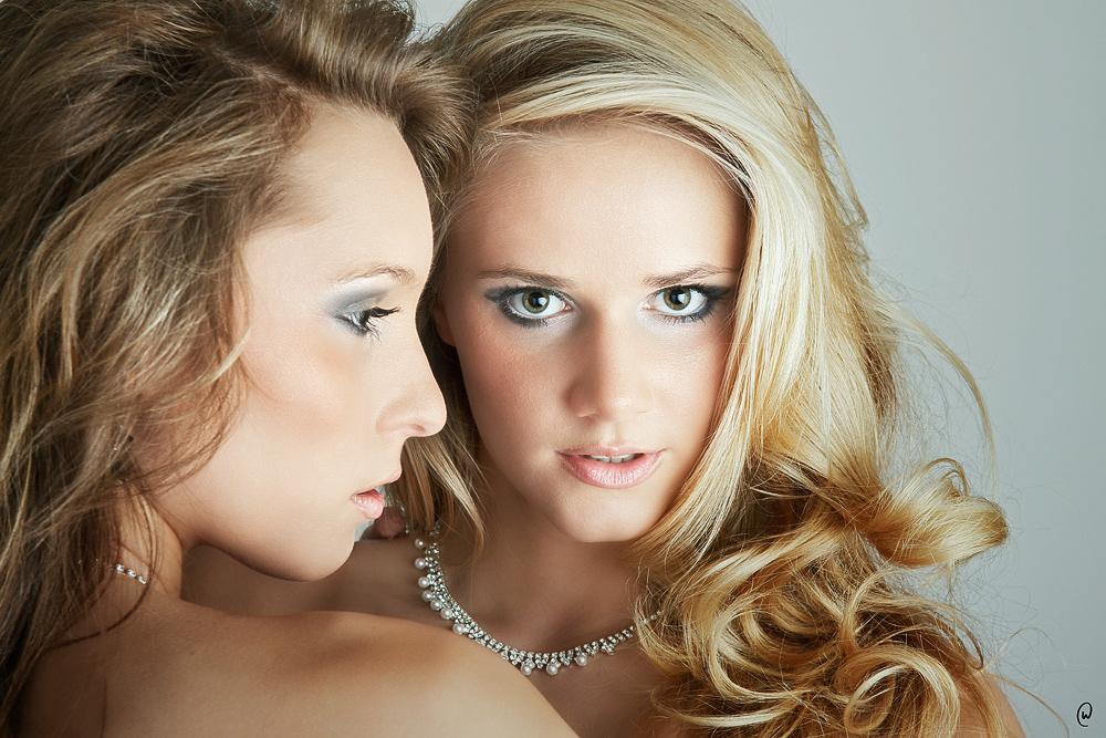 TWO GIRLS II