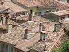 Typische Dächer der Provence