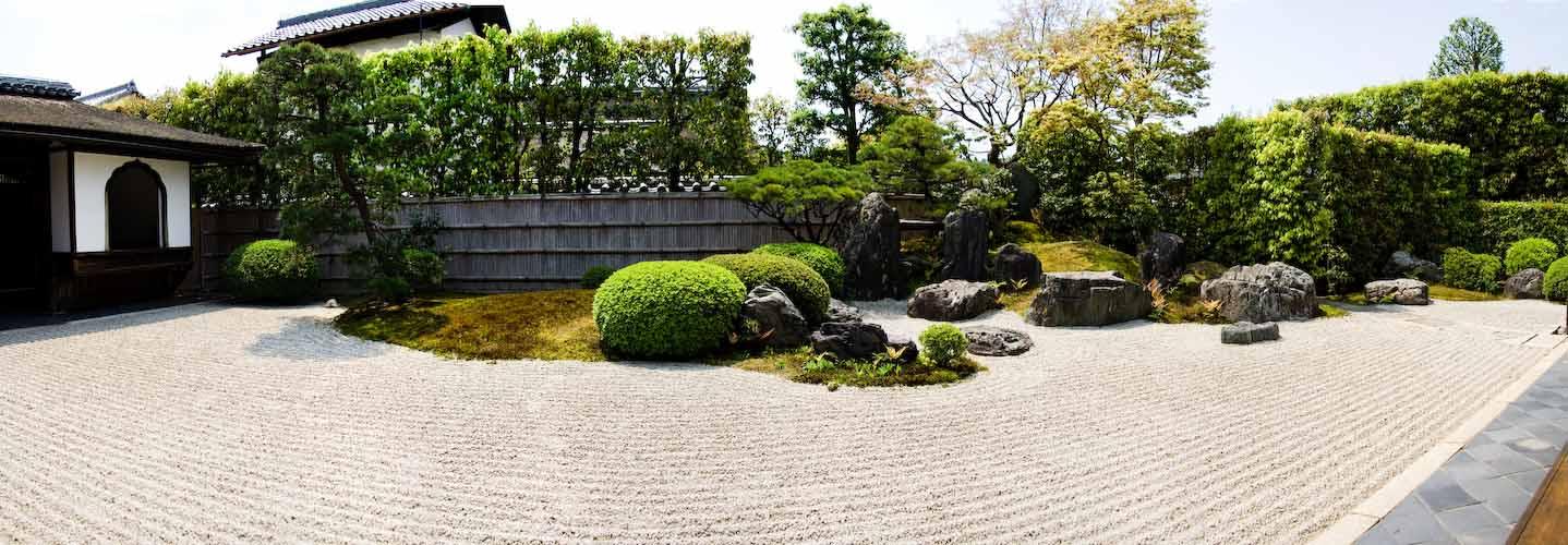 Typischer Steingarten in Japanischem Tempel in Kyoto