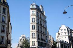 Typisches Haus am Boulevard   PARIS