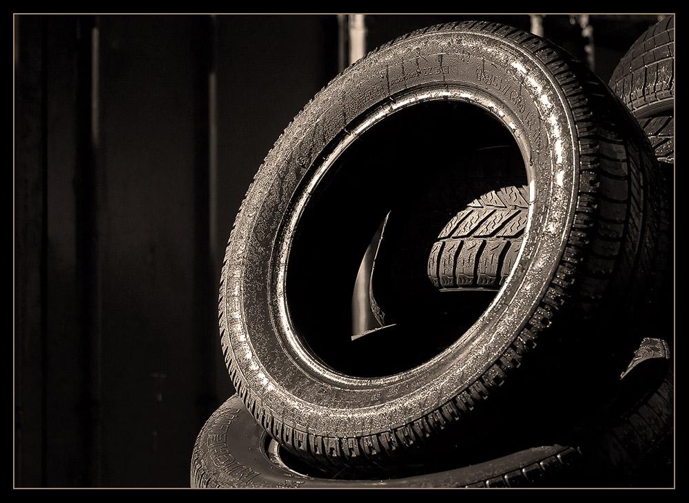 Tyres@Night