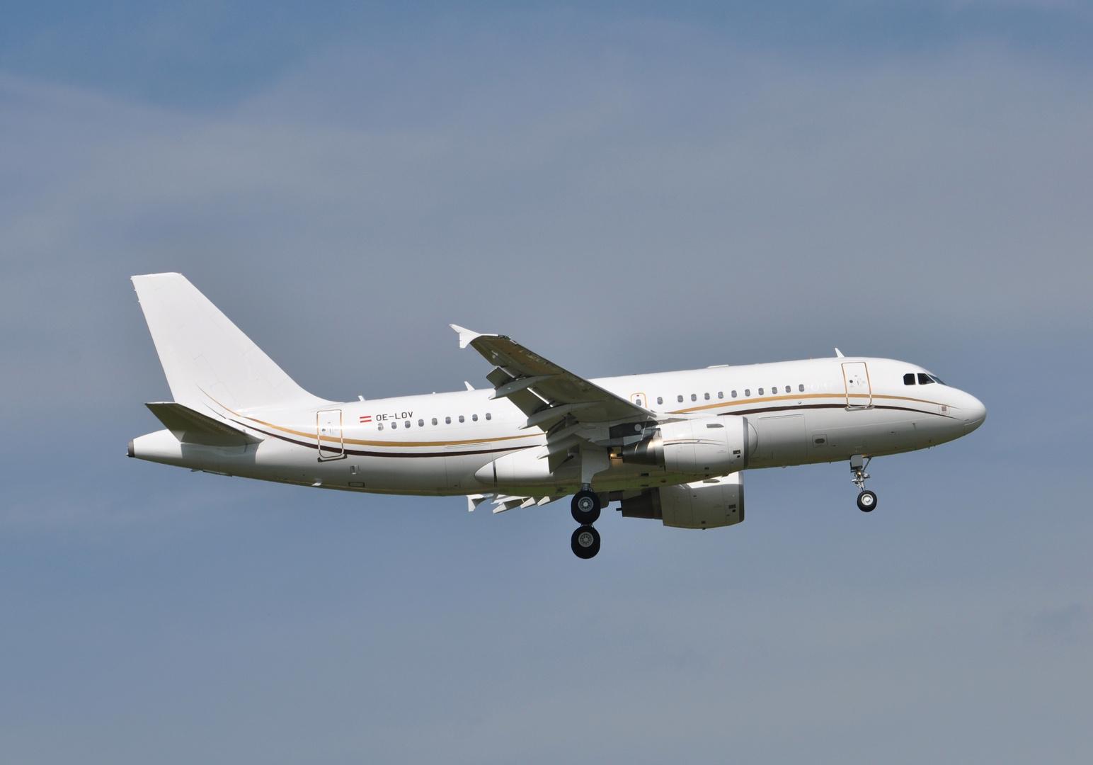Tyrolean Jet Service OE-LOV