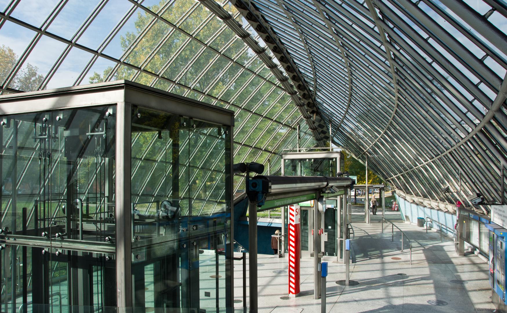 U-Bahnhof St.-Quirin-Platz (2)