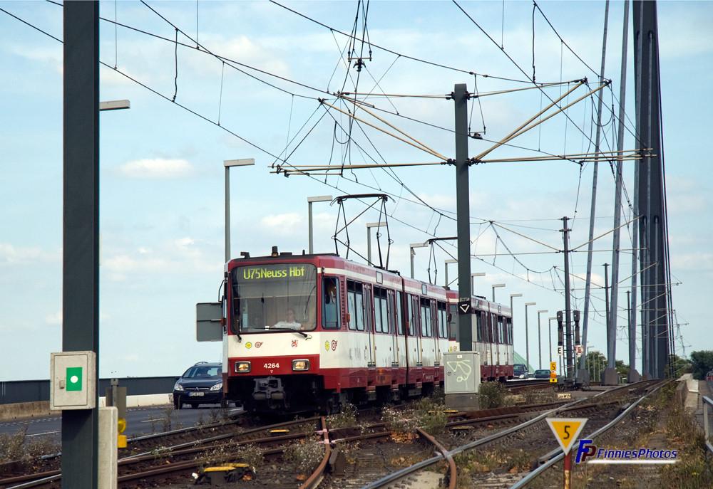 U75 bis Neuss