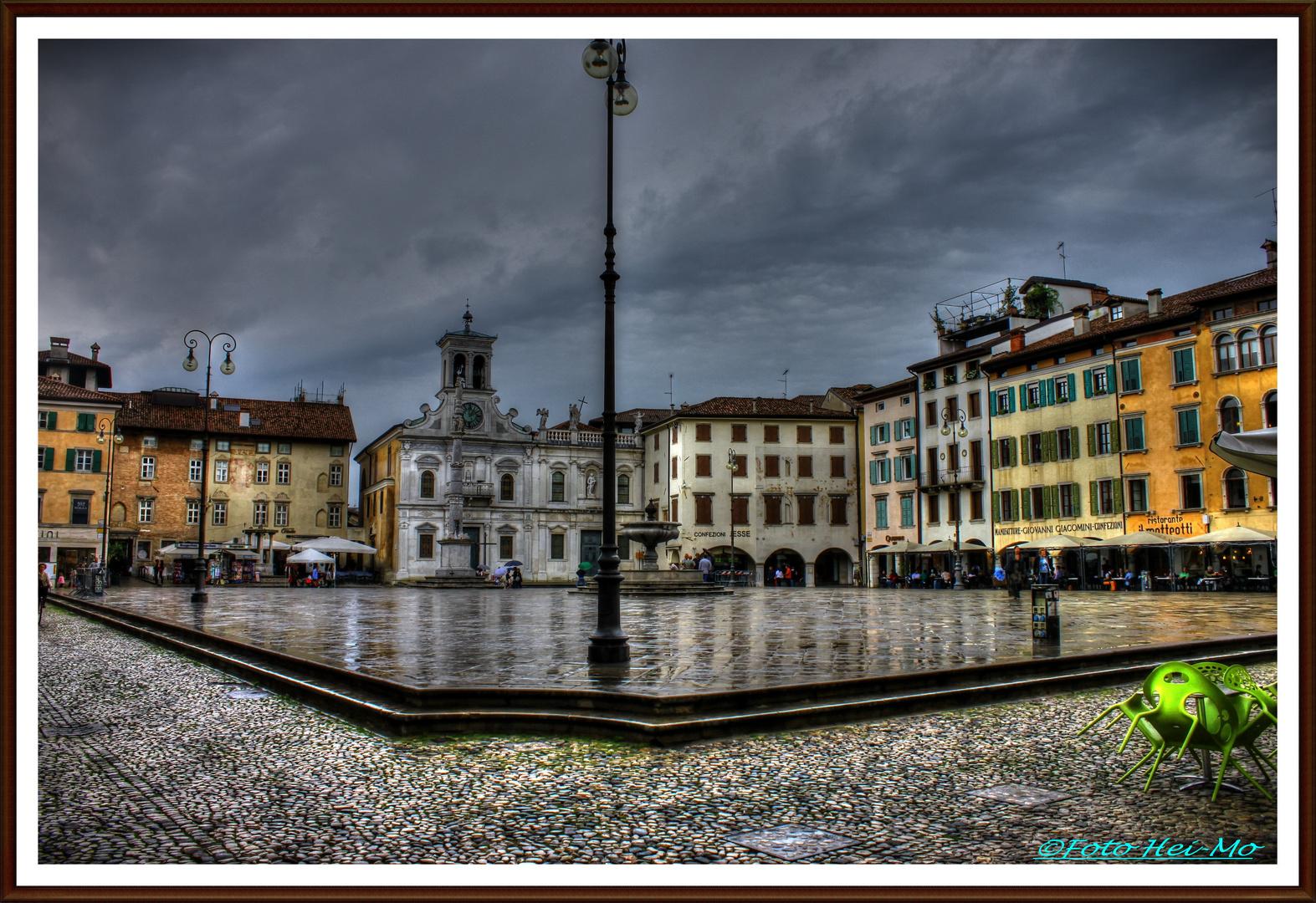 Udine, Piazza Matteotti