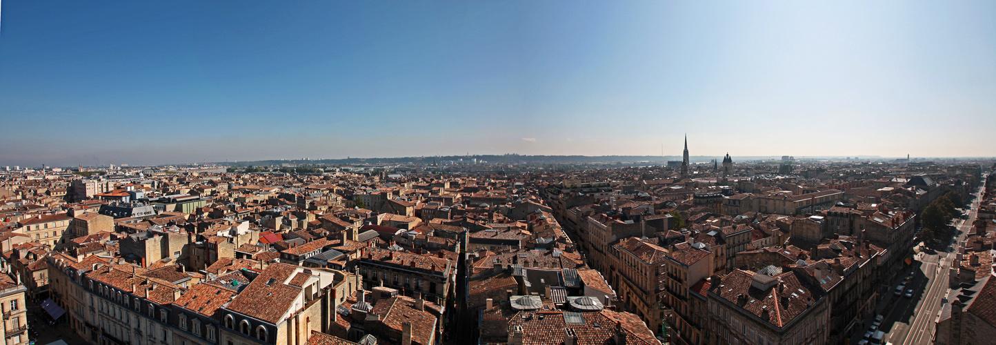 Über den Dächern von Bordeaux
