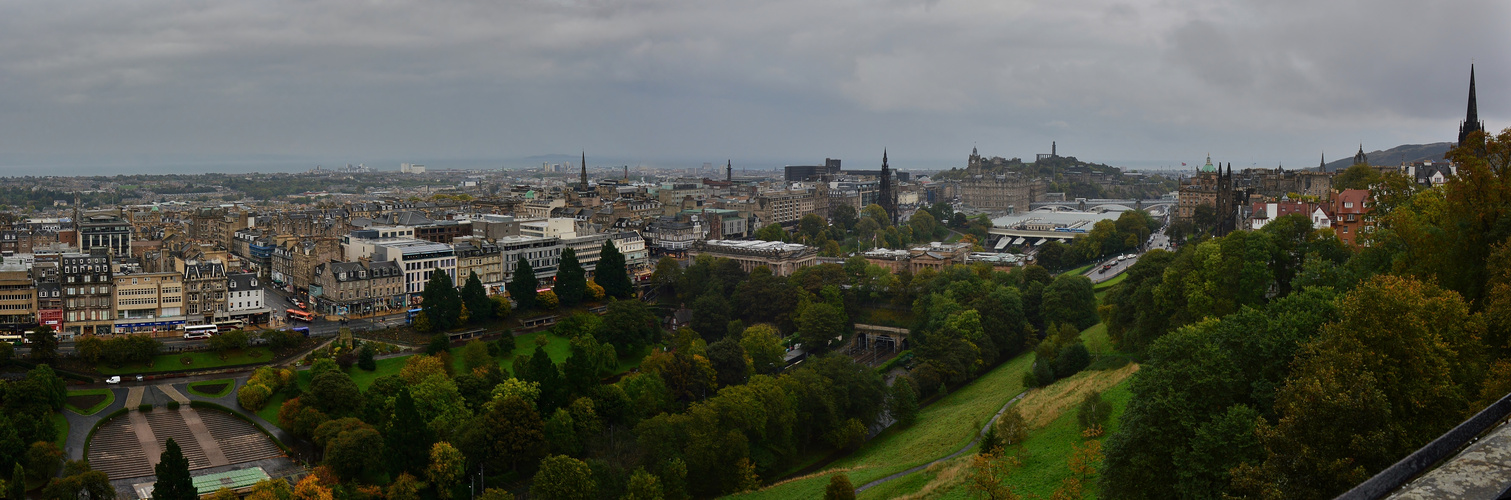 Über den Dächern von Edinburgh
