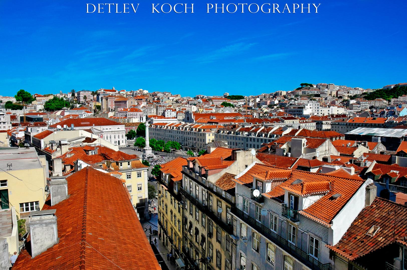 Über den Dächern von Lissabon