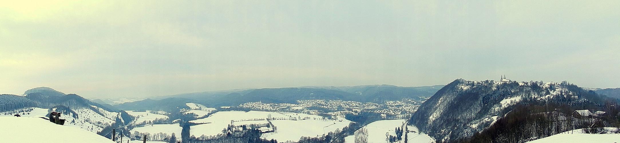 Über den Hügeln