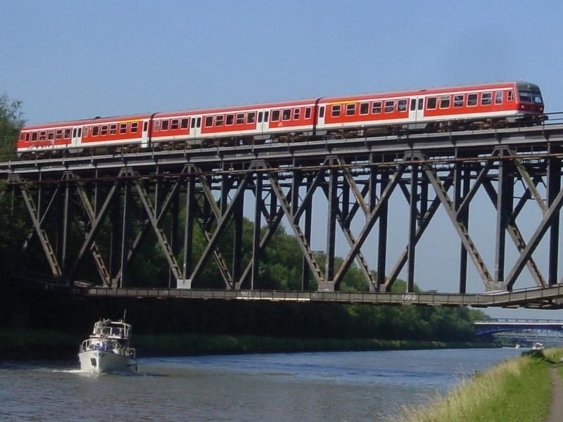Über den Mittellandkanal bei Braunschweig
