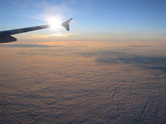 Über den Wolken, muss die ...