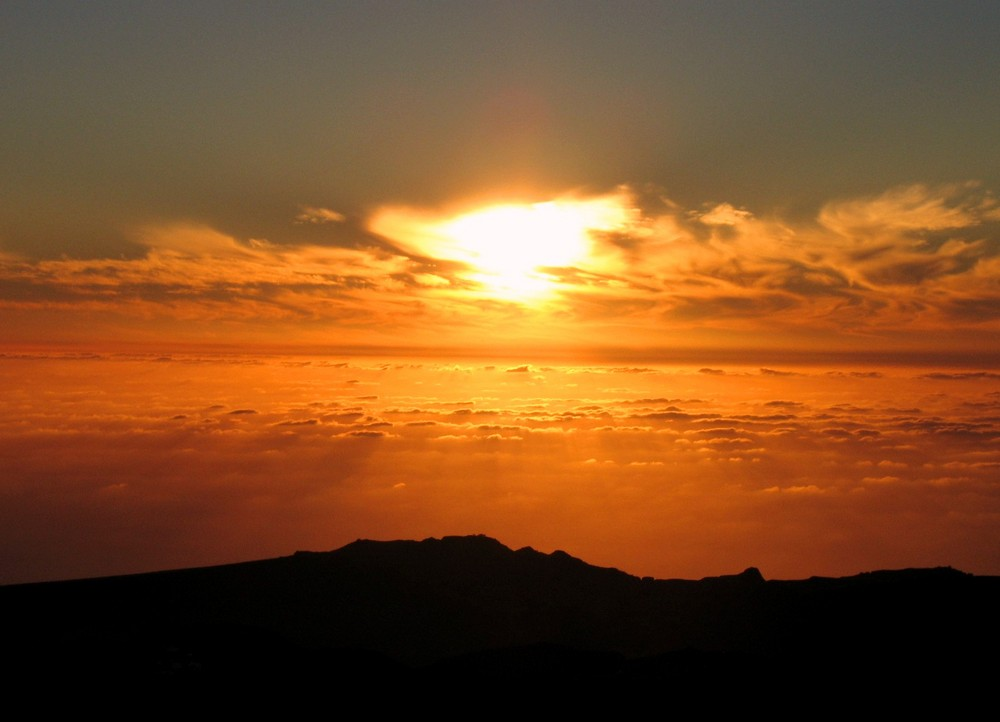 Über den Wolken - muss die Freiheit wohl grenzenlos sein ...