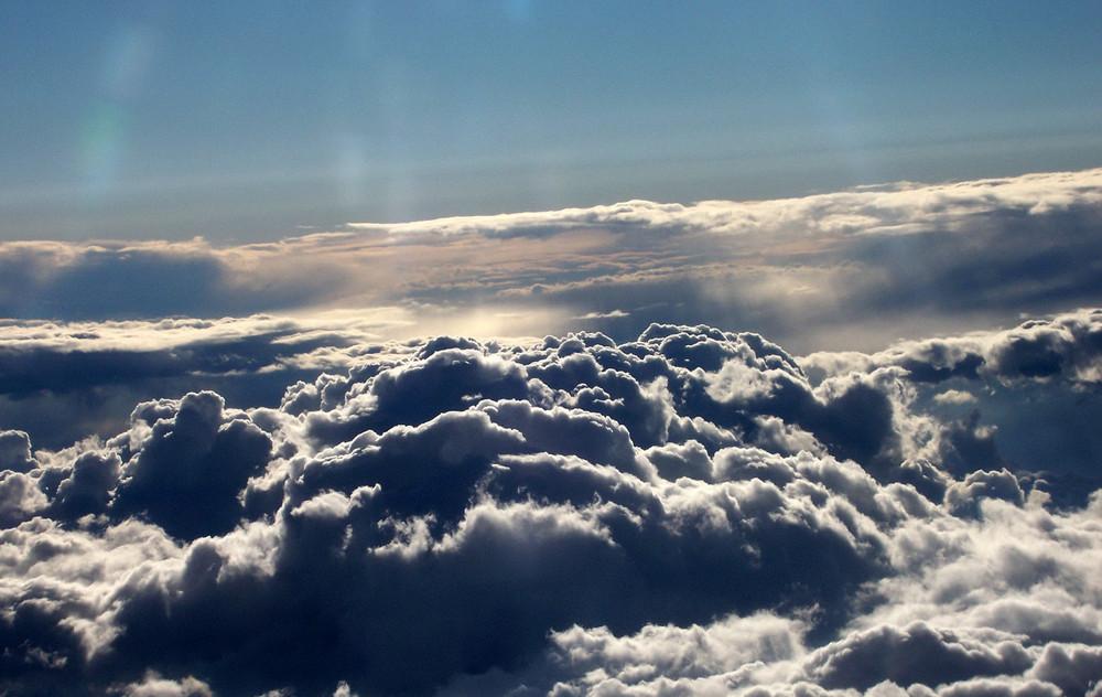 über den Wolken zwischen Wien und Hamburg