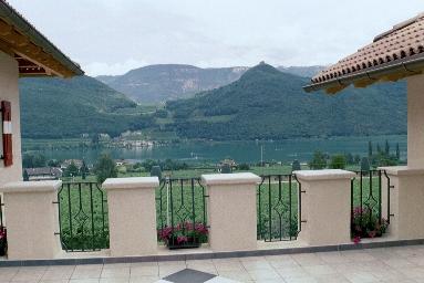 Über den Zinnen, am Kalterer See/Südtirol