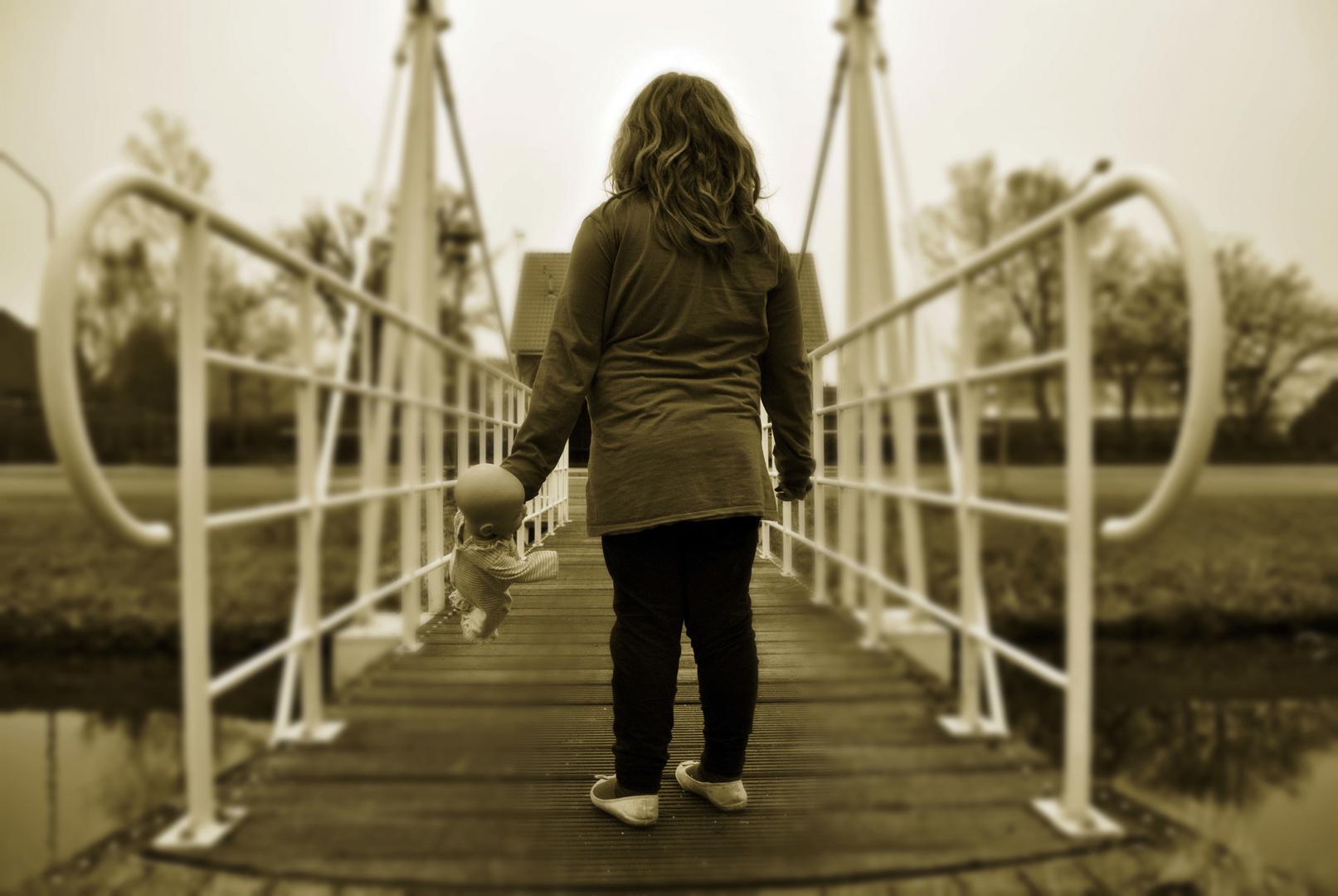 über die Brücke gehen ??
