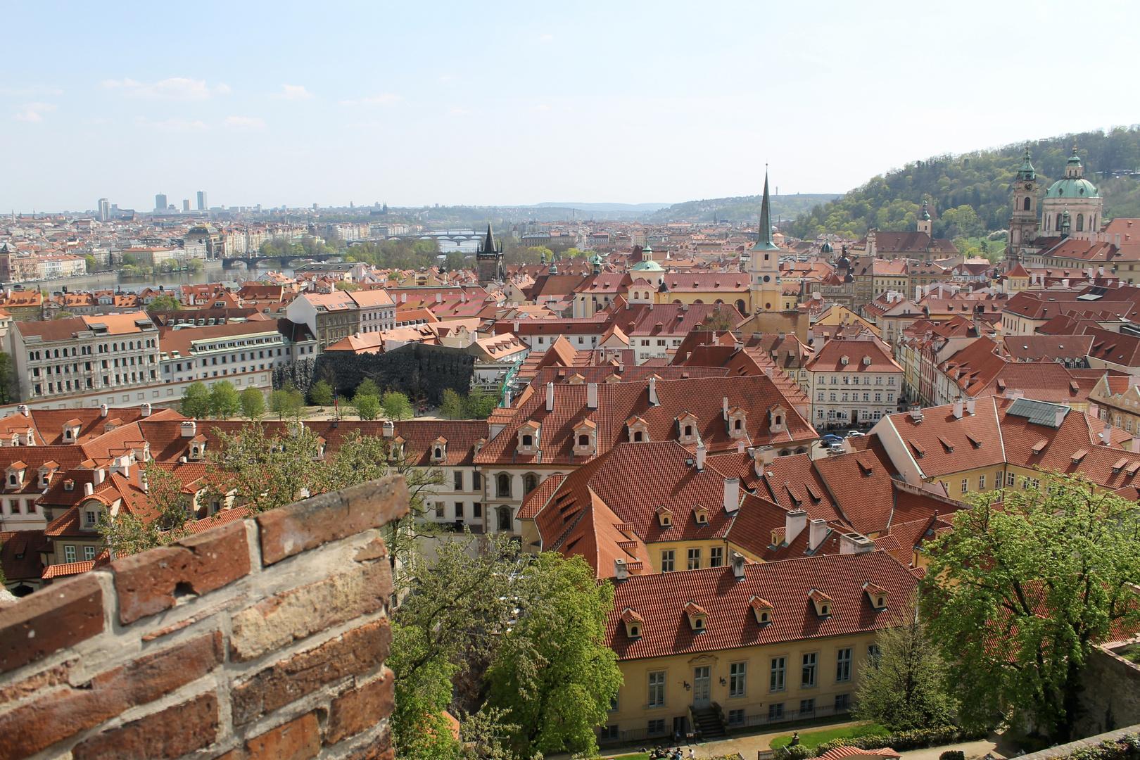 Über die Dächer von Prag