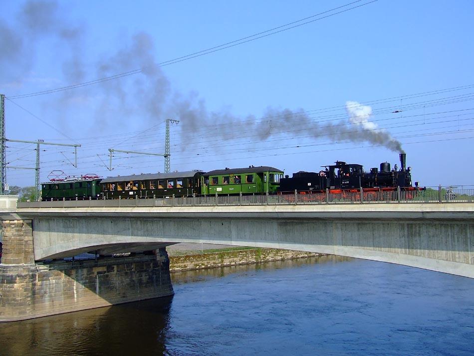 Über die Marienbrücke