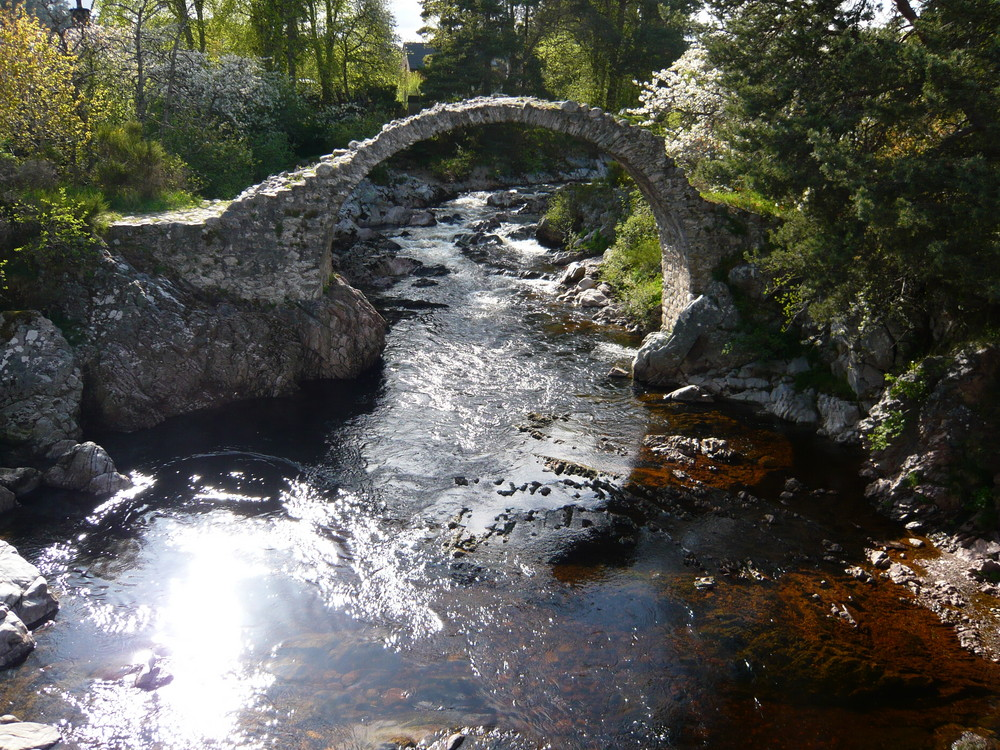 Über sieben Brücken mußt Du gehn....