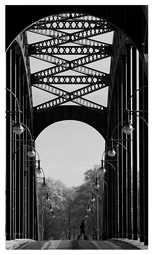 über sieben Brücken musst du geh'n....I