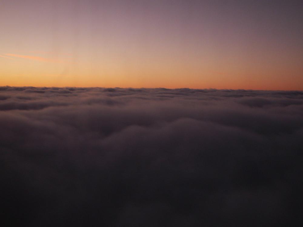 über und zwischen den wolken 1
