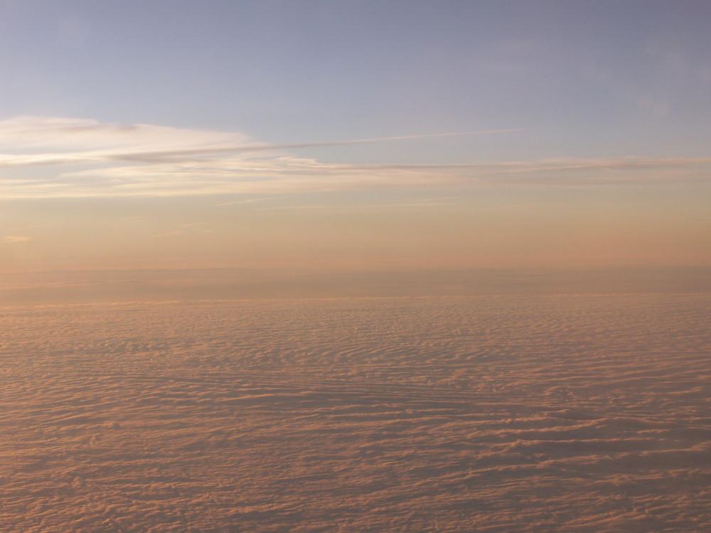 über und zwischen den wolken nr.4