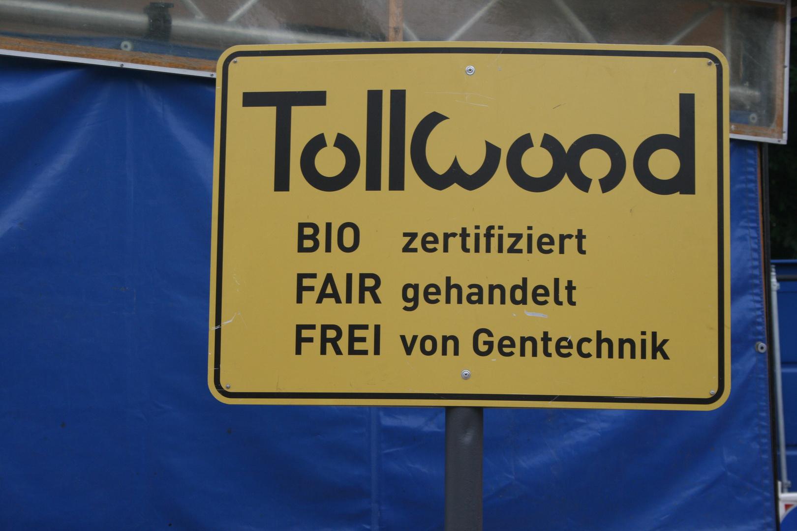 Überall gibt es Schilder