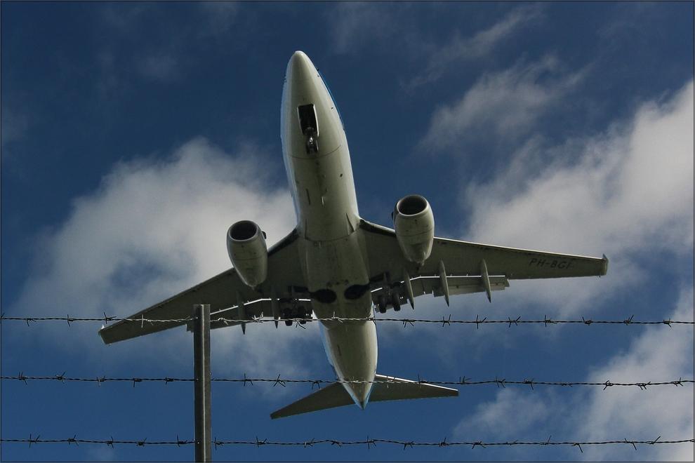 * Überflug *