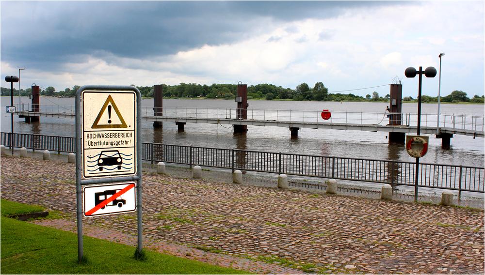 """"""" Überflutungsgefahr """""""