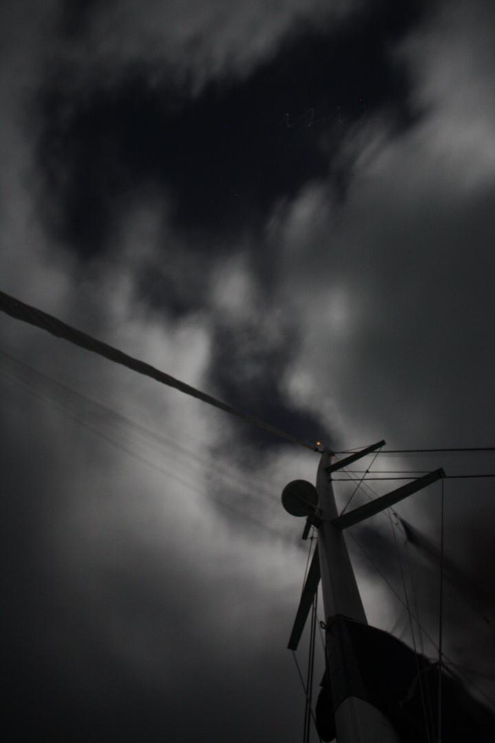Überm Mast