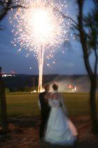 Überraschungsfeuerwerk bei der Hochzeitsparty