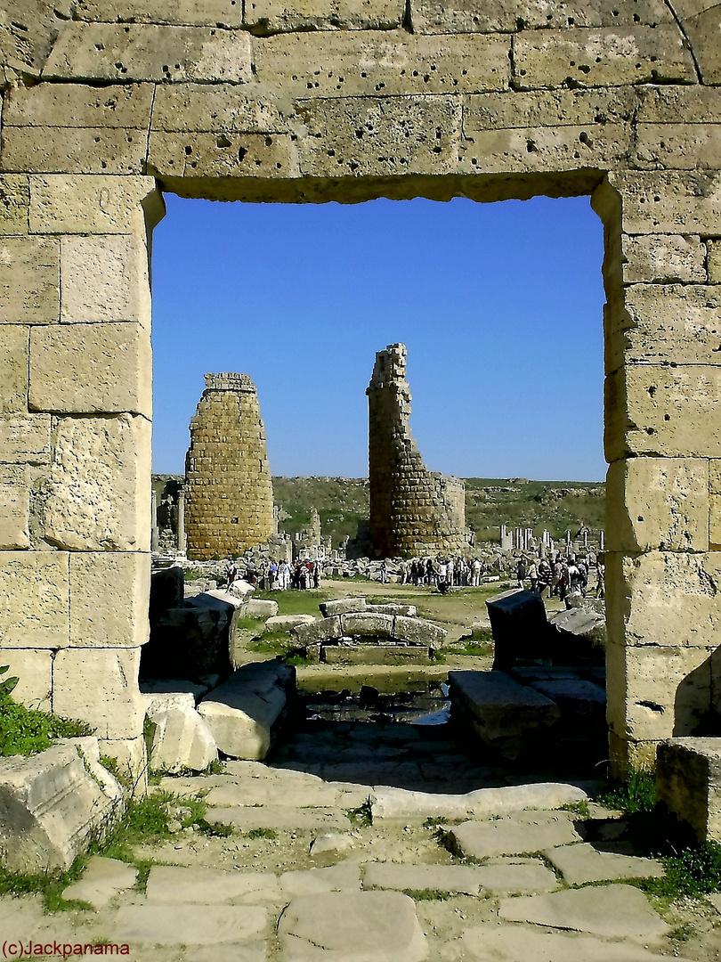 Überreste der Antiken, an der Ägäis (2)