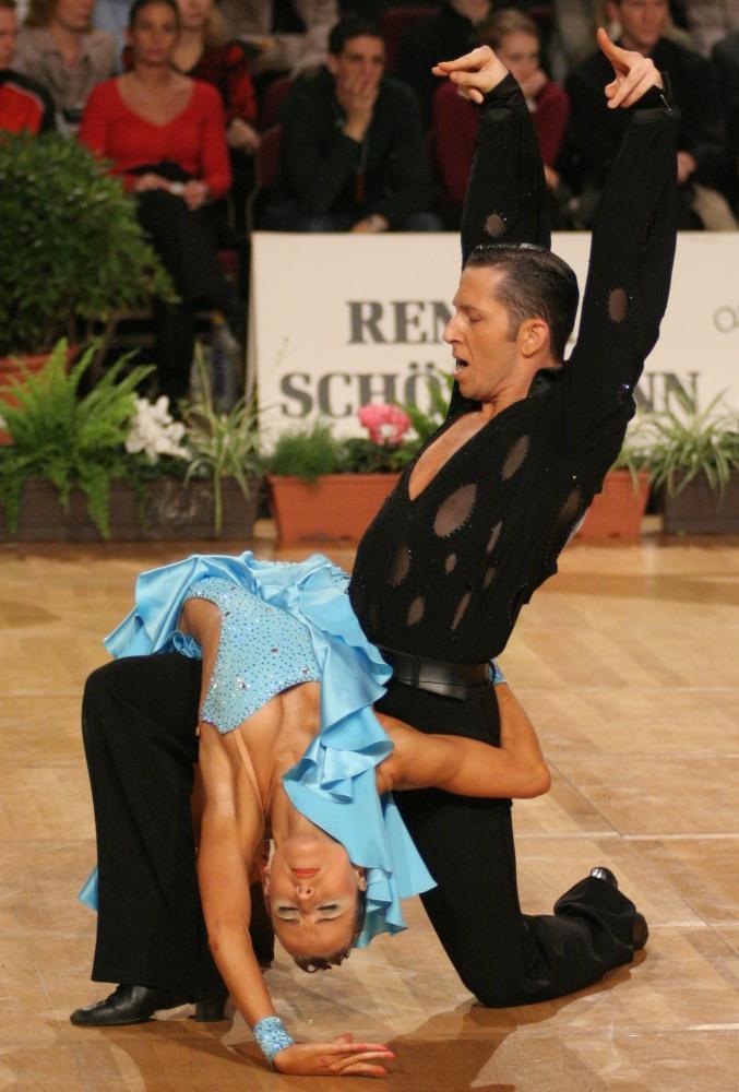 Übers Knie gelegt Foto & Bild | sport, tanzsport, motive