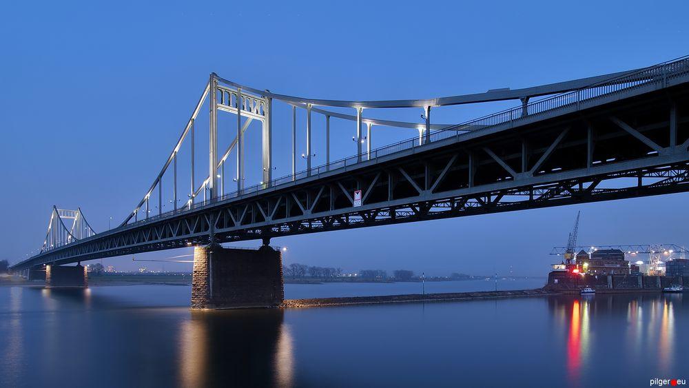 Uerdinger Brücke - helle Version