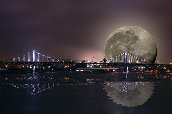 Uerdinger Hafen bei Nacht