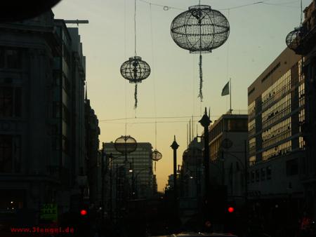 Ufos über Oxford Street