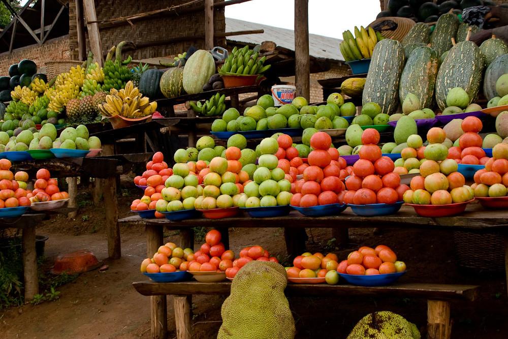Uganda - Obstmarkt bei Entebbe
