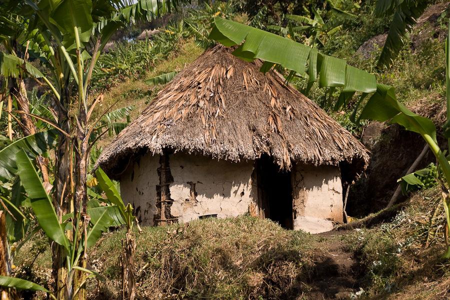 Uganda - Wohnhütte am Mount Elgon